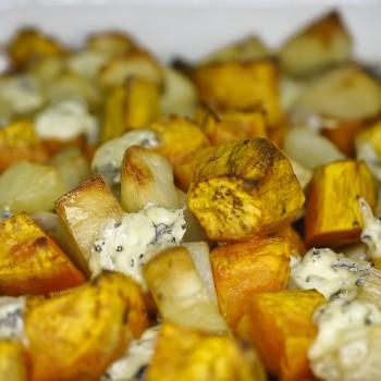 Zapiekanka z batatów, ziemniaków, czerwonej cebuli