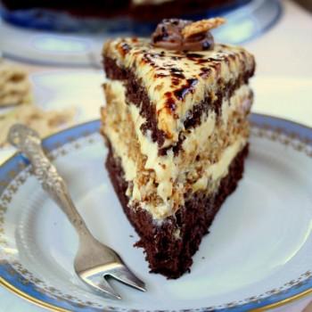 Tort chałwowy z sezamem