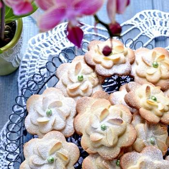 ciasteczka kwiatki5 z napisem680