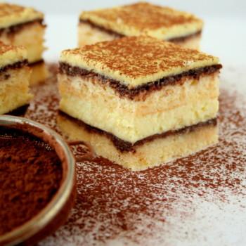 Sernik na biszkopcie z czekoladą