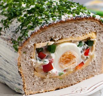 Wielkanocny-chleb-z-niespodzianką---E