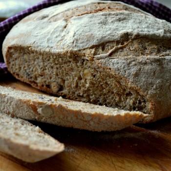 Chleb razowy z orzechami laskowymi 8