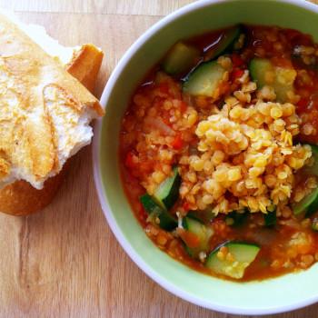 Zupa soczewicowa z cukinią