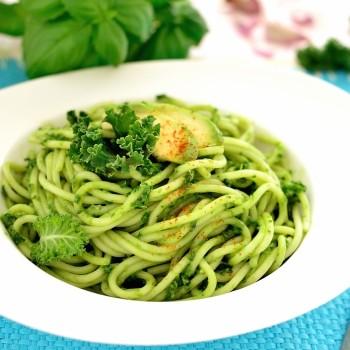 spaghetti-z-jarmuzowym-pesto