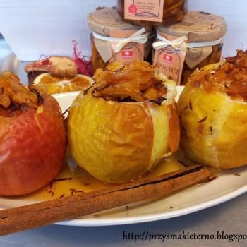 eterno_półmisek z pieczonymi jabłkami z pigwą