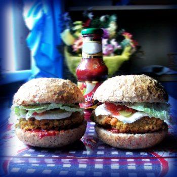 Wegetariańskie burgery z soczewicą inside