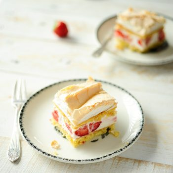 Strawberry-cheesecake-with-meringue-1