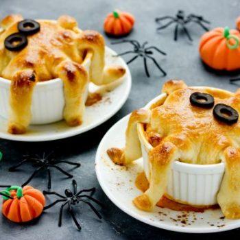 halloweenowe-muffinki-serowe-w-ksztalcie-osmiorniczek-fot-shutterstock-mniejsze