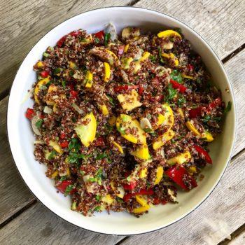 Wegańska sałatka z kaszy quinoa