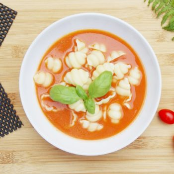 Pomidorowa-z-makaronem