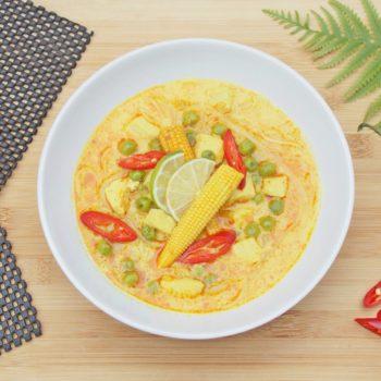 Azjatycka-zupa-z-czerwoną-pastą-curry