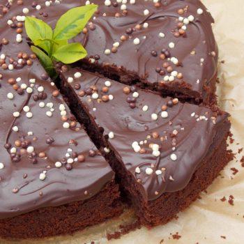 Czekoladowe-ciasto-z-cukinią