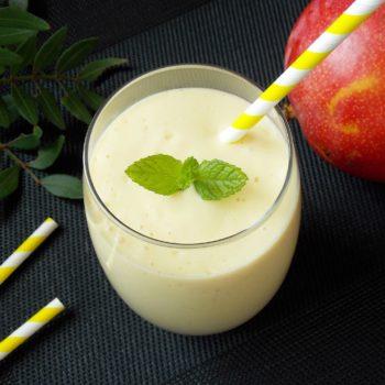Koktajl-mango-banan