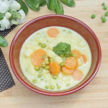 Kremowa-zupa-z-marchewką-i-groszkiem