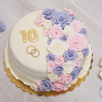 Tort-ajerkoniakowy-na-rocznicę-ślubu-1