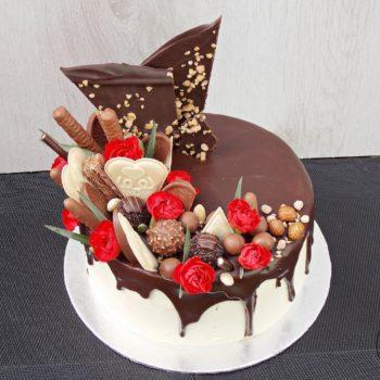Tort-orzechowy-w-stylu-Drip-Cake-1